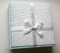Pudełko z kartką komunijną dla Oktaya