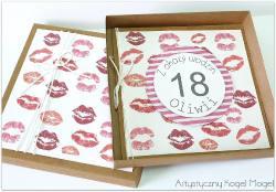 Buziaki - Kartka z pudełkiem